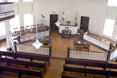 courtroom112006av1.jpg