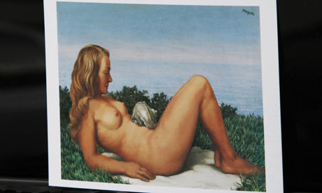 magritteA-postcard-showing-Rene-M-001