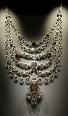 necklace00_dv588969_c61e30_249182t