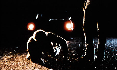 bloodsimple-still-from-the-Coen-bro-006